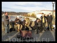 музыканты на Карловом мосту