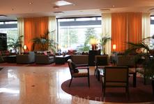 Светло и просторно. Crowne Plaza - очень комфортный отель, с прекрасным завтраком и добротным СПА, состоящим из большого тренажерного зала, 14 метрового ...