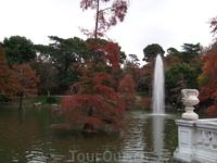 Мадрид. Парк Ретиро. Пруд возле Стеклянного дворца
