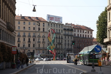 Памятник игле:), естественно Милан..