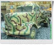 Немецкий пожарный автомобиль Opel Blitz 3,6-6700A TLF15. В 1943 году на базе полноприводного Opel Blitz была создана пожарная машина TLF15 для обслуживания ...