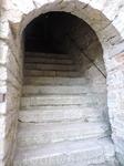А это вход в галерею на стенах крепости.