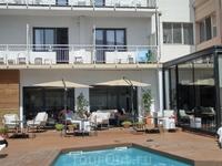 Мы приехали в Таррагону скоростным поездом из Мадрида, поселились в гостинице Hotel Lauria. Неплохой отель 3*, отлично расположен - 5 минут до моря, 5 ...