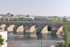 Римский мост через Гуадалквивир.