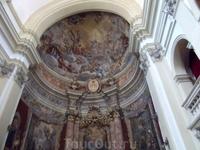 Внутри церкви Св. Игнатия