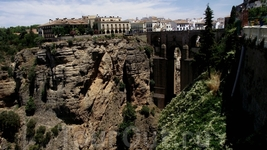 Ronda - видна Новый Мост с Casa de Juan Bosco