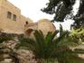 Вид на башни Santa Catalina и Sant Jordi со двора крепости.
