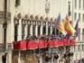 Ровно в полдень две процессии заходят на La Plaza del Ayutamiento - центральную площадь города и тут происходит El Encuentro - явление воскресшего Христа ...