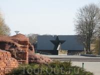 Вид на вход в крепость с иной стороны