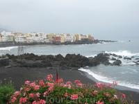 Канарские острова. Тенерифе . Полоса пляжей на курорте Пуэрто де ла Крус