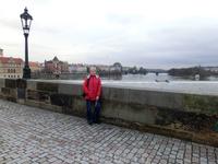По Карловому мосту возвращаемся в Старый Град, не забыв бросить монетку во Влтаву. Уж очень хочется вернуться в Прагу опять.