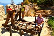 вот таки катапульты отправляют туристов в Алании в морское путешествие....