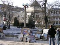 художественная выставка - продажа возле нарзанной галереи