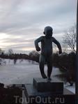 Этот мальчик является визитной карточкой Вигеллан-парка