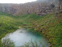 Вечером остановка в каньоне  Аусбирги. Небольшое озерцо в низине.