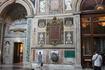Сан Джованни ин Латерано до Ватикана был главным собором Европы. Внутреннее убранство поражает. Если придти пораньше, то людей будет мало.