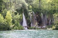 Водопад на озере Козьяк