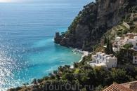 От Амальфи до Позитано 45 минут езды на автобусе по красивейшему побережью.