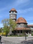 Светлогорск (Раушен), здание санатория Балтийского флота с солнечными часами на башне.