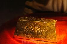 За то в конце покажут как изготавливаются слитки! Кстати, именно здесь придумали  переплавлять золото в слитки для более удобной транспортировки.