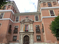 Palacio de Fabio Nelli -  дворец, который ранее принадлежал банкиру Фабио Нелли. Сейчас является главным зданием музея города Вальядолида. Строительство ...