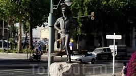 Malaga, памятник продавцу сардин