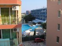 это вид с окна на отель Анальгин