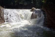 Первый водопад на реке Сахрай
