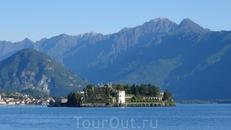 Isola Bella – один из Борромейских островов озера Маджоре. В 1632 году Карл III из семейства Борромео приступил к строительству на острове роскошной загородной ...
