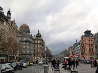 Продолжаем прогулку по Новому месту и подходим к его центру Вацлавской площади, которая относится к следующей зоне, зоне Козерога. Вацлавская площадь ежедневно привлекает тысячи туристов. Это место об