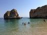 Пляж гостиницы расположен в уютной бухте,песчаное дно и прозрачная вода в наличии...