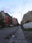 Улица 1812 года (Йоркштрассе) слева красное здание-пожарная часть и при немцах и у нас.