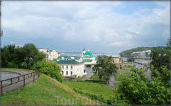 вид на Волгу и Свято-Троицкий мужской монастырь