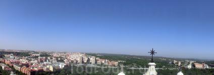 Еще вид на Мадрид и реку Мансанарес.