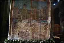 Фрагменты росписи, сохранившейся на стенах храма, выполнены в основном в XVI-XVII веках.