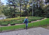 Campo Grange - огромный парк размером 11,5 га в самом центре города. Парком он является с 1787 года. Если заходить в парк со стороны Plaza de Zorilla, ...