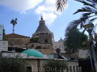 В Назарете находится грот Благовещения, над которым построен крупнейший на Ближнем Востоке католический Храм Благовещения (1969)