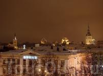Вид на город с крыши торгового центра Solaris.