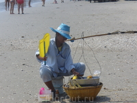 Пляжный деликатес - жареная кукуруза