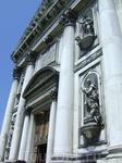 Венеция имеет площадь всего 8 кв.км!  В Венеции 95 церквей!