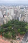 Сан-Паулу. Везде где есть возможность разбиты парки и скверы.