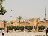 Эти старинные укрепления дали городу второе название - &quotмаленький Марракеш&quot