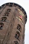 Круглая башня, куда Петр 1 заезжал, по преданию, на лошадях