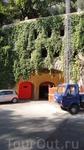 В виду того что в Портофино мало места, вот так они обустраивают свои здания