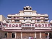 Резиденция сегодняшнего императора Джайпура