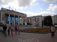 "Дворец культуры в парке ""Победа"""