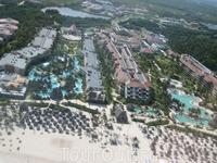 Now Larimar. Имеет общую территорию с отелем Secrets Royal Beach 5*, его гости могут пользоваться территорией Now Larimar. Вход из Now Larimar в Secrets ...