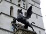 Верхушку памятника Виктории украшает энергичный дракон - символ Лондонского Сити.