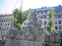 Будапешт.Памятник Михая Верешмарти