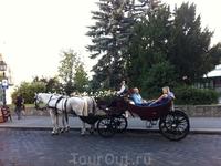 Свадебные церемонии возможны в любое время, в разных уголках Венгрии ,их можно спланировать за ранее или за пару часов, транспорт всегда найдется)